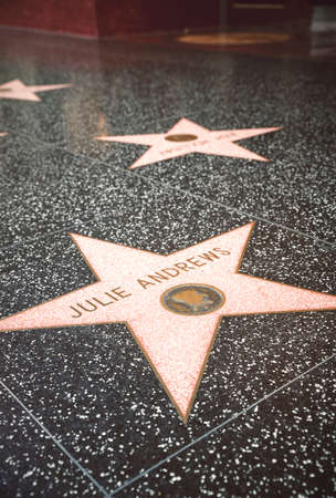 estrellas cinco puntas: LOS ANGELES - SEP 15: Star of Hollywood Walk of Fame on September 12, 2015 in Los Angeles. There are more than 2,400 five-pointed stars which attract about 10 million visitors annually. Editorial