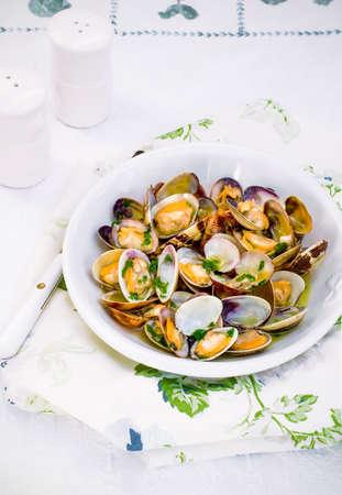 venus: Venus clams clams with parsley