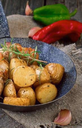 fingerling: Fingerling Potatoes with Rosemary, Garlic