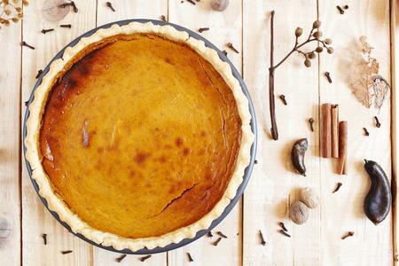 pumpkin pie: Traditional Thanksgiving homemade pumpkin pie
