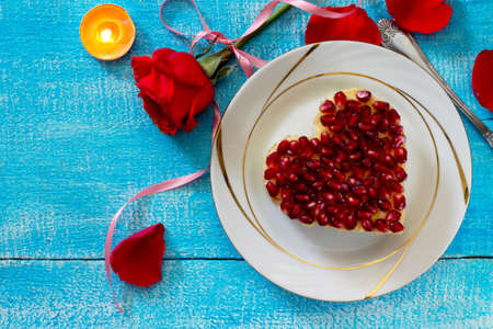 Salad in the form of heart on Valentines Day, top view. Zdjęcie Seryjne