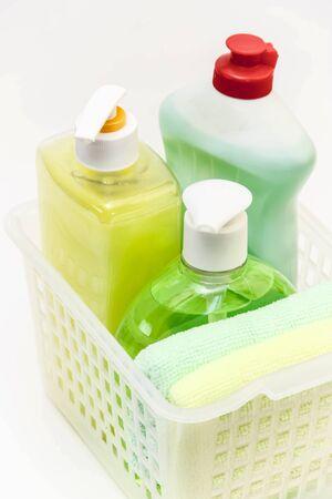 productos de limpieza: Los productos de limpieza y detergentes.