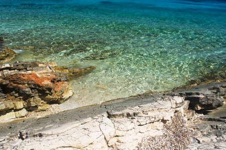 Mare cristallino in Proizd con i colori magici, Croazia