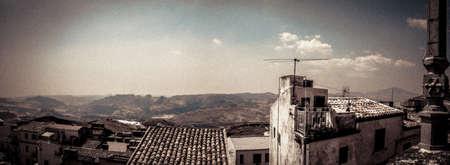 Panoramica di Gioiosa Guardia fantasma villaggio Sicilia