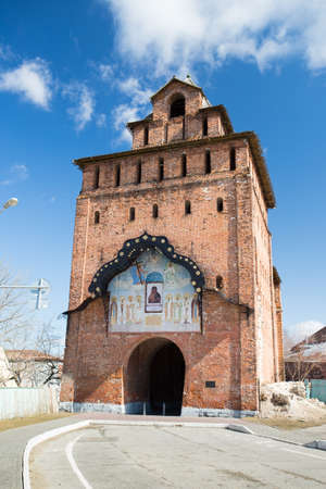 Pyatnitskie Gate (Pyatnitskaya Tower) Of Kolomna Kremlin On Blue Sky With Clouds In Sunny Day At Spring In Kolomna, Russia.