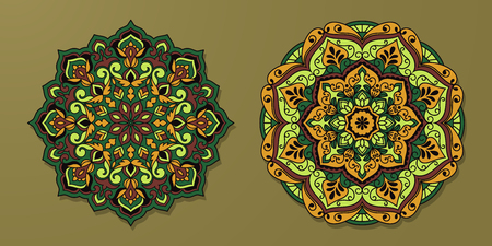 Ethnic decorative rug. Mats for yoga, meditation. Set of mandalas with floral ornaments. 版權商用圖片 - 124152931