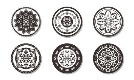Set of Ethnic decorative elements. Round ornament patterns. Tribal rugs with geometric design. 向量圖像