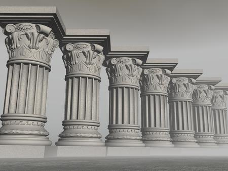 Verschillende stenen kolommen of pijlers in mistig grijze achtergrond Stockfoto