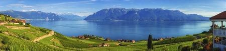 日、スイス ・ ヴォー州ラヴォー地域のパノラマ