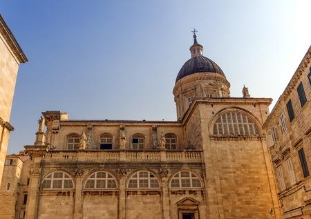 Dubrovnik-Annahme-Kathedrale in der Mitte der alten Stadt in Dubrovnik, Kroatien Standard-Bild - 87756289