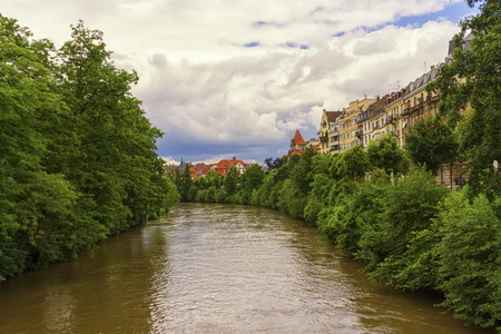 Kanal in Straßburg, Frankreich Standard-Bild - 87954682