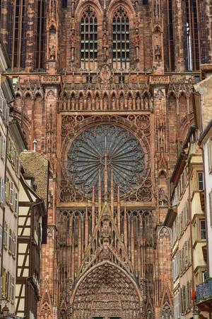 Kathedrale Notre-Dame oder Kathedrale Unserer Lieben Frau in Straßburg, Al Standard-Bild - 89439650
