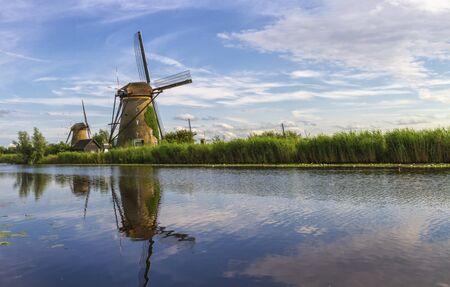 Windmills in Kinderdijk by day, Holland, Netherlands Foto de archivo