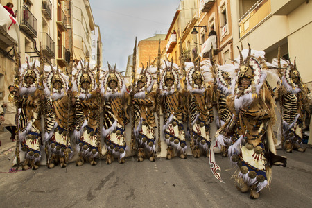 ALCOY, ALICANTE, SPAIN. 22 APRIL 2017. Festival of the Moors and Christians. The march through the city center. Stok Fotoğraf - 112205924