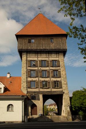 KONSTANZ, GERMANY, MAY 20, 2019. The medieval Rhine gate tower (Rheintorturm) on the Bodensee lake in Konstanz, Germany. Редакционное