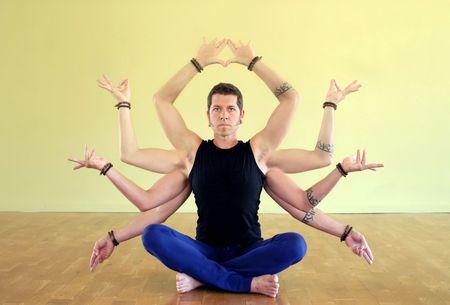 photoshop: Man met acht ledematen als manifestatie van Shiva. De acht ledematen van yoga zijn: Yama, Niyama, Asana, Pranayama, Pratyahara, Dharana, Dhyana en Samadhi.