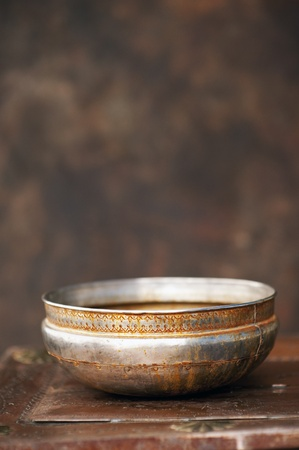 zen interior: Rusted wash basin from India