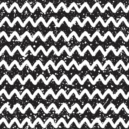uneven edge: Brush or chalk drawn zigzag stripes or waves seamless pattern. Black and white geometrical background with splash texture. Hand drawn monochrome abstract pattern. Illustration