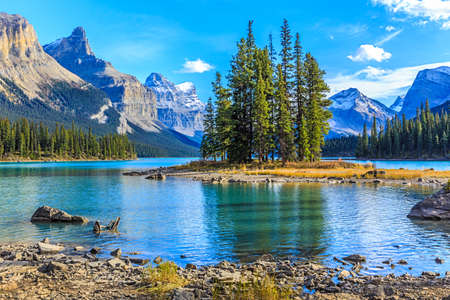 banff national park: Spirit Island in Maligne Lake