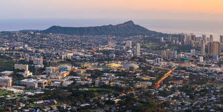 View to Honolulu from Tantalus Lookout at sunset, Oahu, Hawaii Reklamní fotografie