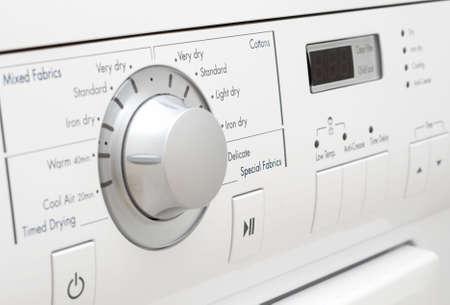 Control Panel der weißen Waschmaschine
