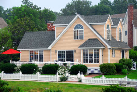 picket fence: Pretty spacious cottage in Perkins Cove, Maine Stock Photo