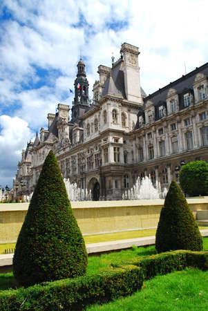 Edificio storico di Hotel de Villle a Parigi Francia