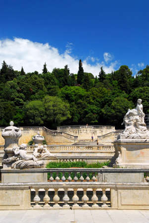 fontaine: Park Jardin de la Fontaine in city of Nimes in southern France