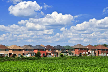 Row of residential s in suburban neighborhood Stock Photo - 3375675
