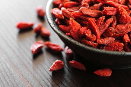 赤い乾燥 goji ベリーの完全ボウル