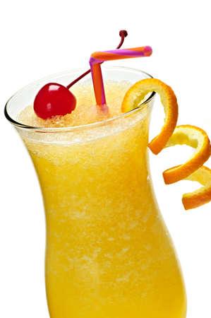 Glas sinaasappel sap drinken in de orkaan cocktail glas