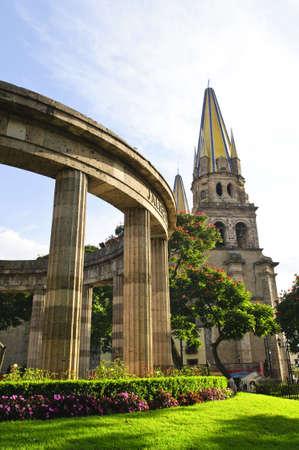 guadalajara: Rotonda de los Jalisciences Ilustres and Cathedral in historic center in Guadalajara, Jalisco, Mexico