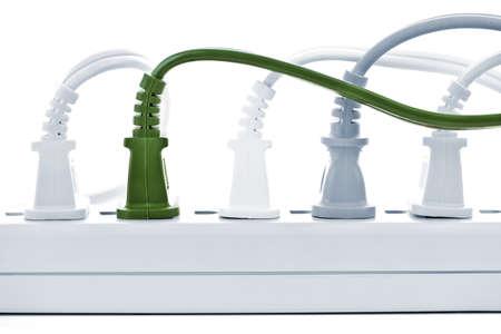 outlets: Muchos planteles enchufados en la barra de energ�a el�ctrica  Foto de archivo