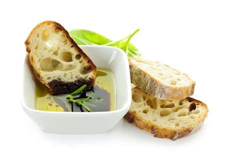 aceite de oliva: Aperitivo de comida italiana de aceite de oliva de pan y vinagre bals�mico