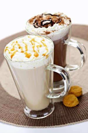 slagroom: Warme dranken, koffie en chocolade met slagroom