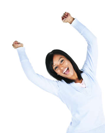 personas celebrando: Feliz mujer negra con los brazos levantados aislados sobre fondo blanco  Foto de archivo