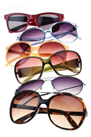 안경: Assorted styles of tinted sunglasses isolated on white background