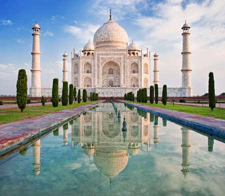 Taj Mahal in zonsopgang licht, Agra, India