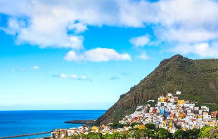 Красивый вид на Сан-Андрес возле Санта-Крус-де-Тенерифе на севере Тенерифе, Канарские острова, Испания.