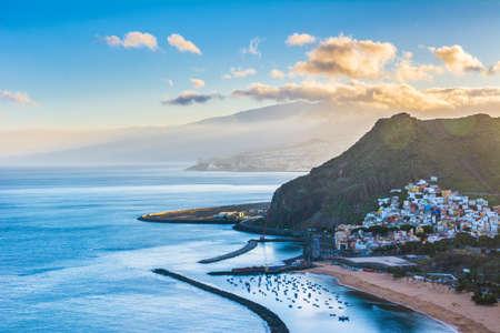 Piękny widok na San Andres w pobliżu Santa Cruz de Tenerife na północy Teneryfy, Wyspy Kanaryjskie, Hiszpania. Zdjęcie Seryjne