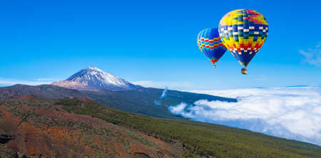 Beautiful view of unique famous volcano Teide on a sunny day, Teide National Park, Tenerife, Canary Islands, Spain 版權商用圖片