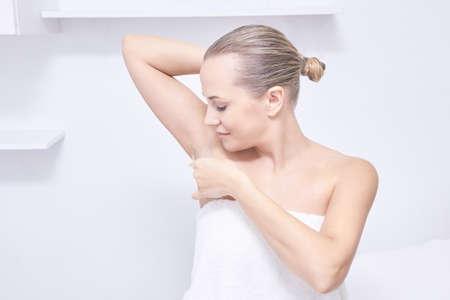 cabello cosmetólogo cosmético cosmético belleza y la piel seca picazón