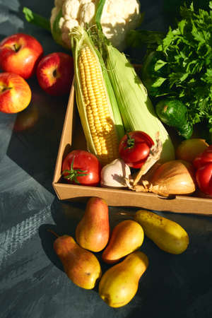 Fresh organic fruits and vegetables. Healthy nutrition Banque d'images