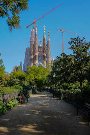 Barcelona, Spain.Desember 14, 2017.Redemptive Temple of the Holy Family Sagrada by Gaudi at sunny day, shut from a short distance.Colorful Фото со стока - 133911483
