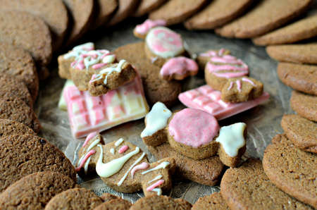 Vegan and gluten free speculoos biscuits (Belgian gingerbread cookies), decorated with white chocolate.