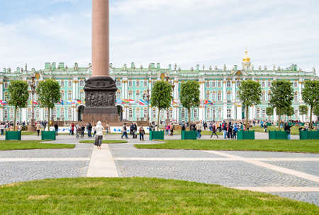 hermitage: The Palace square of the State Hermitage Museum and Winter Palace, SAINT PETERSBURG