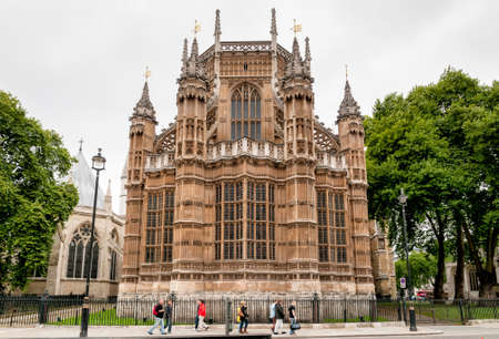 far eastern: LONDON, ENGLAND - SEPTEMBER 15, 2013: The exquisite Henry VII Lady Chapel, the last great masterpiece of medieval architecture Inglese and the burial place of fifteen Kings and Queens, stands at the far eastern end of Westminster Abbey.