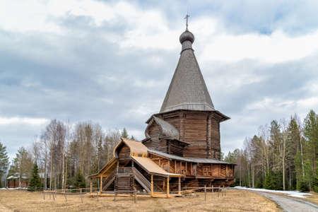 Oude Houten Kerk in Malye Korely, Rusland