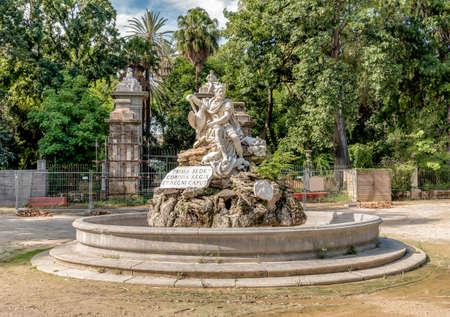 La fuente del Genio en la villa Giulia Garden en Palermo, Sicilia, Italia Foto de archivo