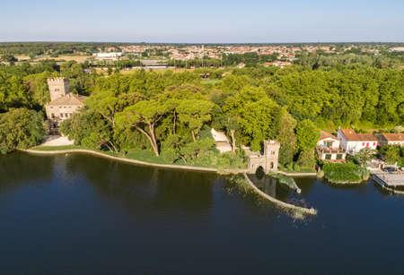 Aerial view of Torre del Lago Puccini on lake Massaciuccoli, fraction of Viareggio in province of Luca, Tuscany, Italy 版權商用圖片